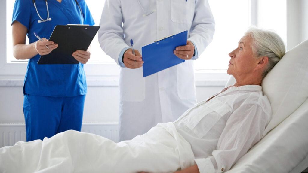 ukhod-za-tezhelobylnymi-i-lezhachimi-bolnymi