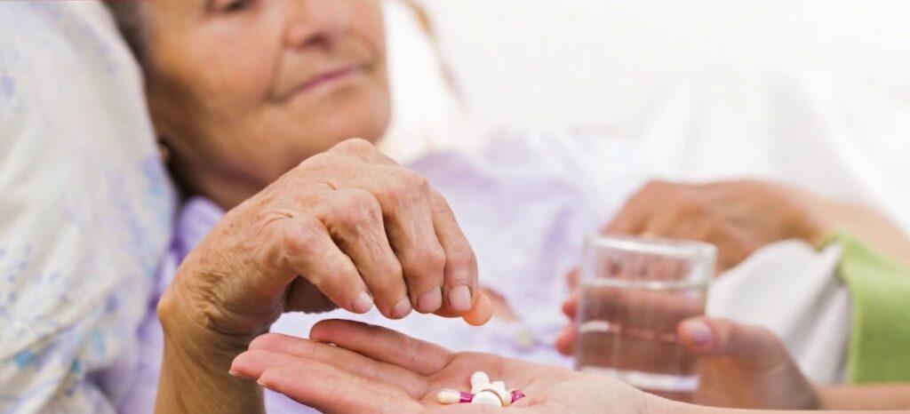 Лечение гипертонии у пожилых людей: препараты и лекарства ...